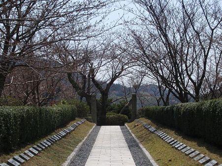 回天記念館〜回天烈士の石碑