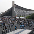 写真: Perfumeライブに向かう人@代々木体育館03