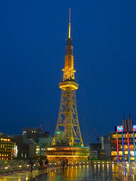 オアシス21から見上げた、イルミネーションが新しくなった名古屋テレビ塔 - 07