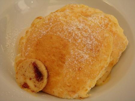 リコッタパンケーキ w/フレッシュバナナ、ハニーコームバター@bills