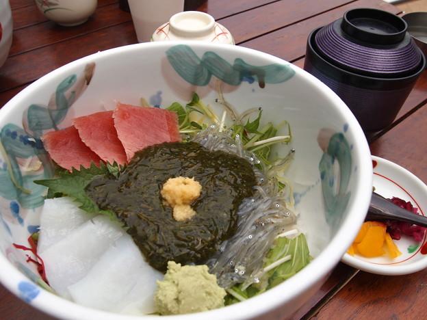 アカモク丼