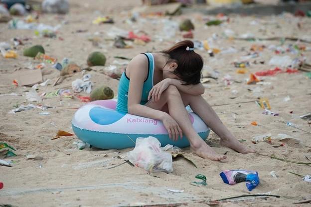 ゴミ捨て場か?な深圳の海水浴場(笑) (2)