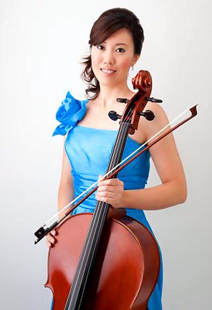 Photos: 小島遼子 こじまりょうこ チェロ奏者 チェリスト  Ryoko Kojima