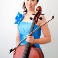 写真: 小島遼子 こじまりょうこ チェロ奏者 チェリスト  Ryoko Kojima