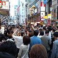 Photos: くいだおれ太郎に群がる庶民たち2