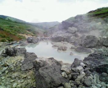藤七の裏にある野湯 濃い泥湯