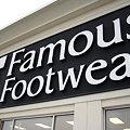 写真: Famous Footwear