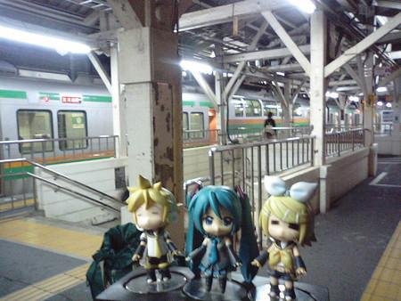 予定より1時間遅れて、ようやく沼津駅に到着。今日はここで力尽きま...