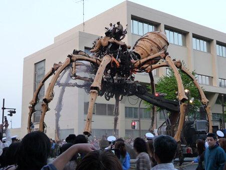 090419-ラ・マシン 税関前 (11)