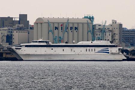 米軍チャーター高速双胴輸送艦