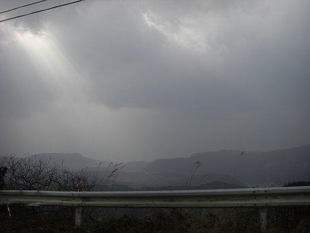 雨降ってそう
