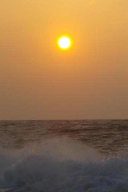 Photos: 荒天の朝景