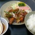 写真: 京橋 大阪王 酢豚定食