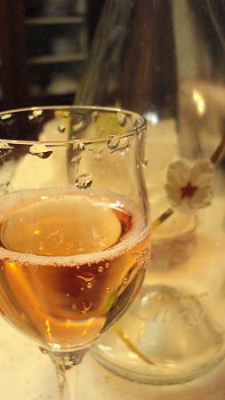 今年のお屠蘇はスパークリングワイン~(⌒~⌒)