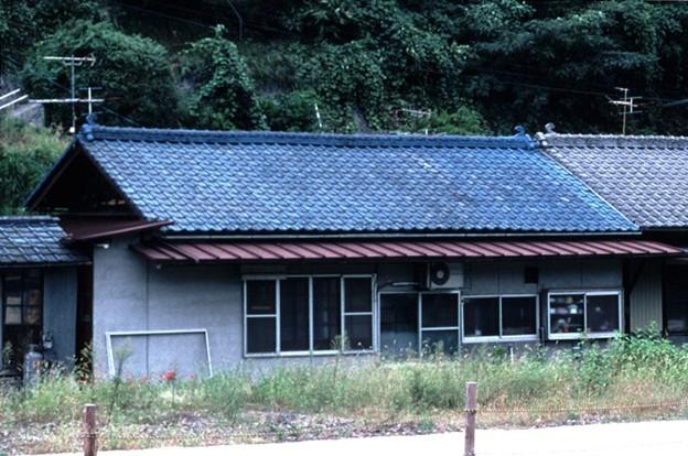 詰所棟中央(JR伯備線新見駅,1998/9/20)(s104-33b)