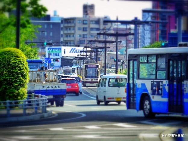 春の雰囲気漂う熊本駅前の景。