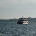 写真: 宮島への渡船